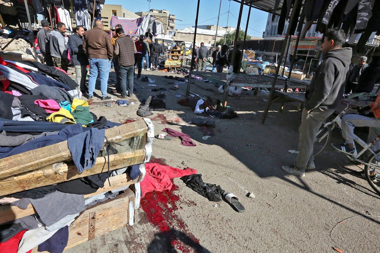 This AFP photo shows the scene of a market in central Baghdad after a twin suicide bombing last Thursday. (AFP-Yonhap)