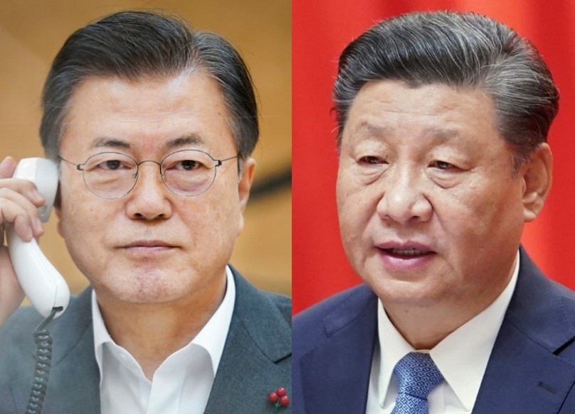 President Moon Jae-in (left) and his Chinese counterpart Xi Jinping (Yonhap)