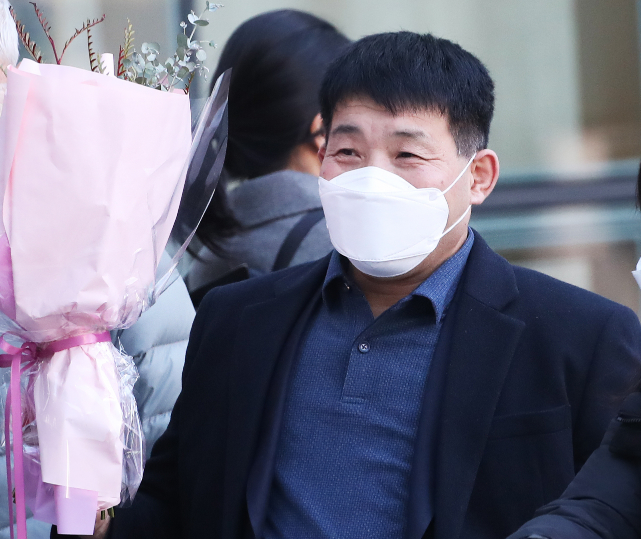 In this file photo, Yoon Seong-yeo, 53, leaves the Suwon District Court in Suwon, south of Seoul, on Dec. 17, 2020, after he was acquitted of a 1988 murder. (Yonhap)