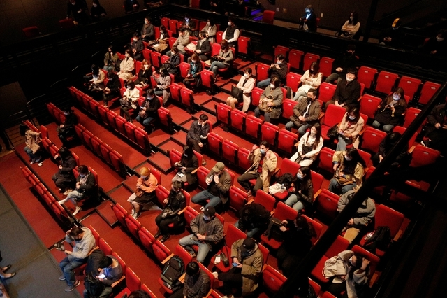 Middle-seat vacancy rule relaxed for performing art halls, cinemas