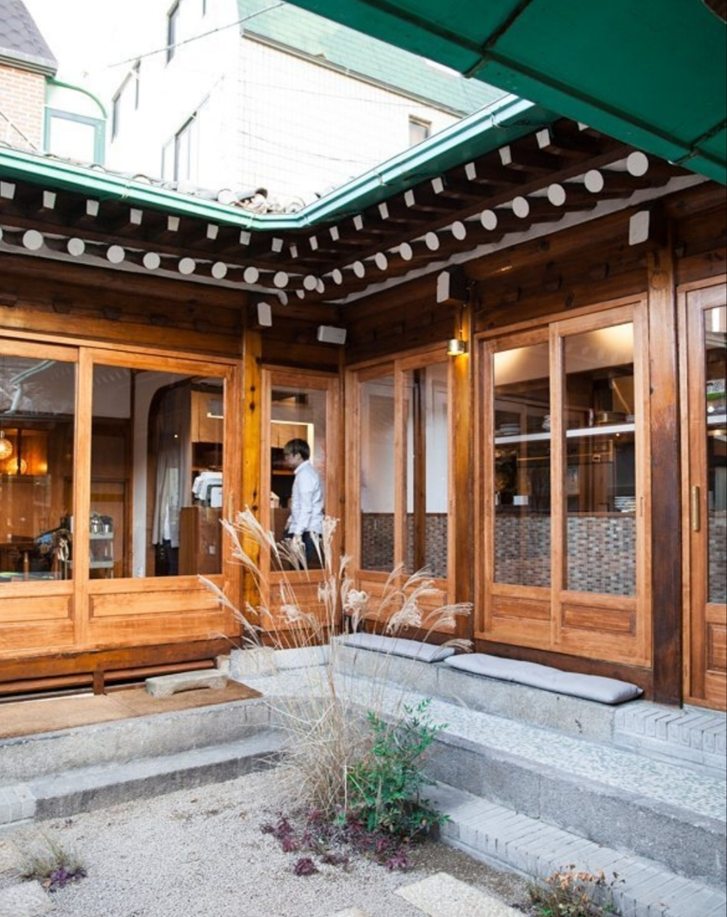 Hoho Sikdang first opened in a hanok in Daehangno, Seoul, in 2016. (Photo credit: hohosikdang)