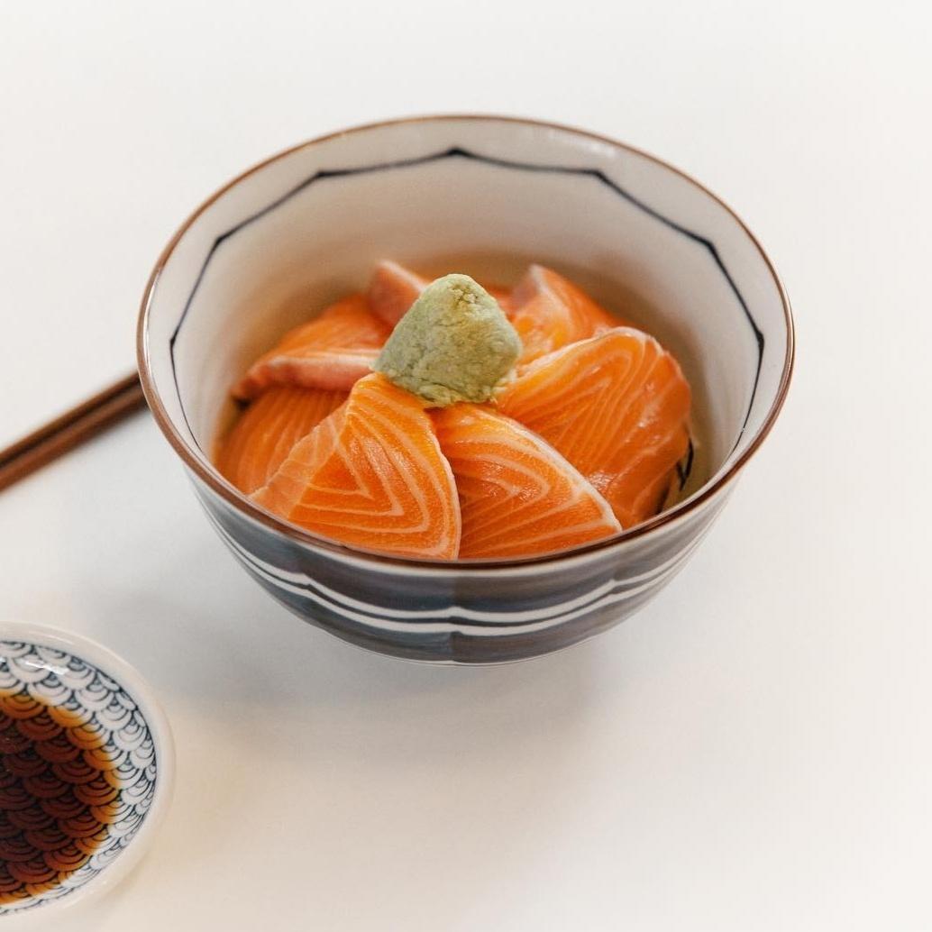 Hoho Sikdang's salmon sashimi donburi (Photo credit: hohosikdang)