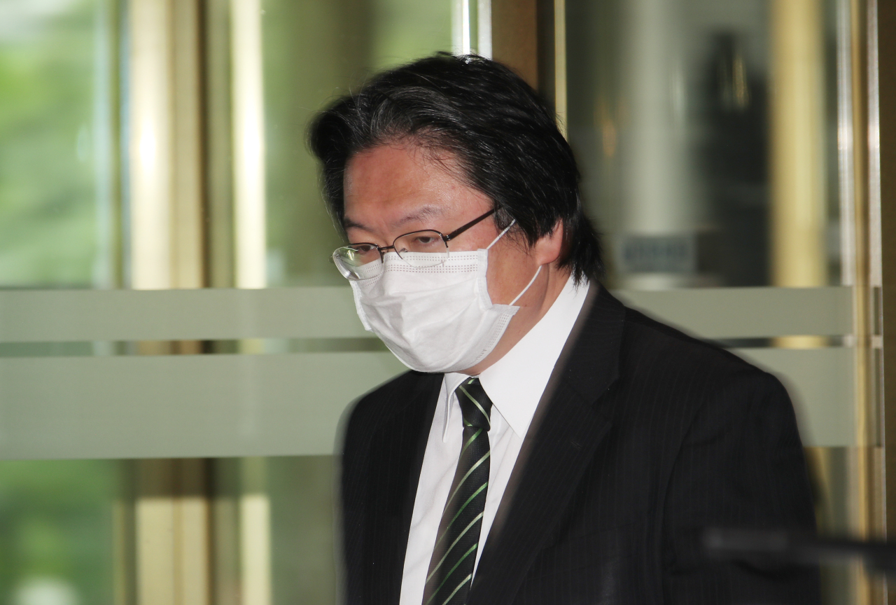 Hirohisa Soma, a senior Japanese Embassy official, arrives at the Ministry of Foreign Affairs building on May 19, 2020. (Yonhap)
