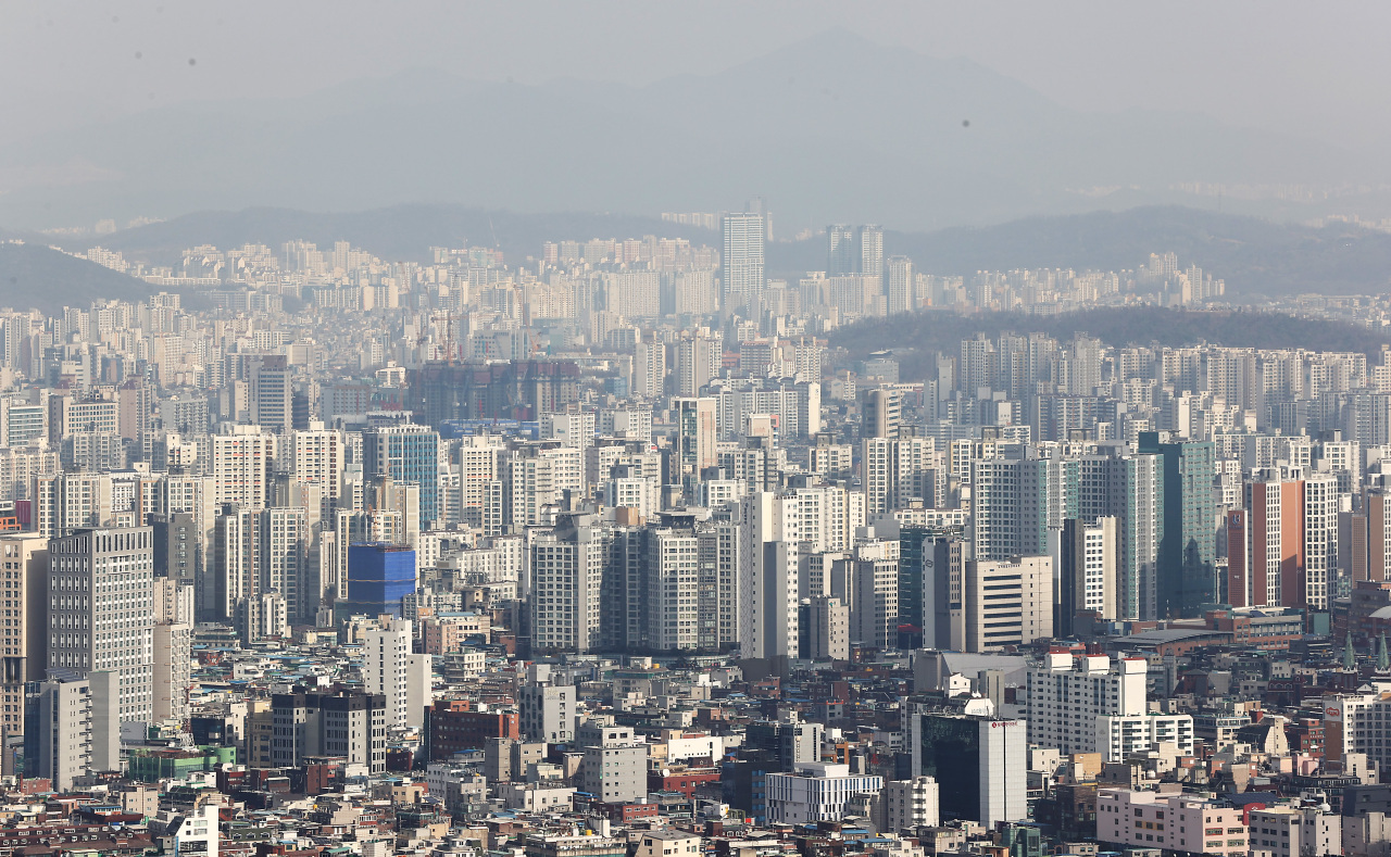 An aerial view of apartment complexes in central Seoul (Yonhap)