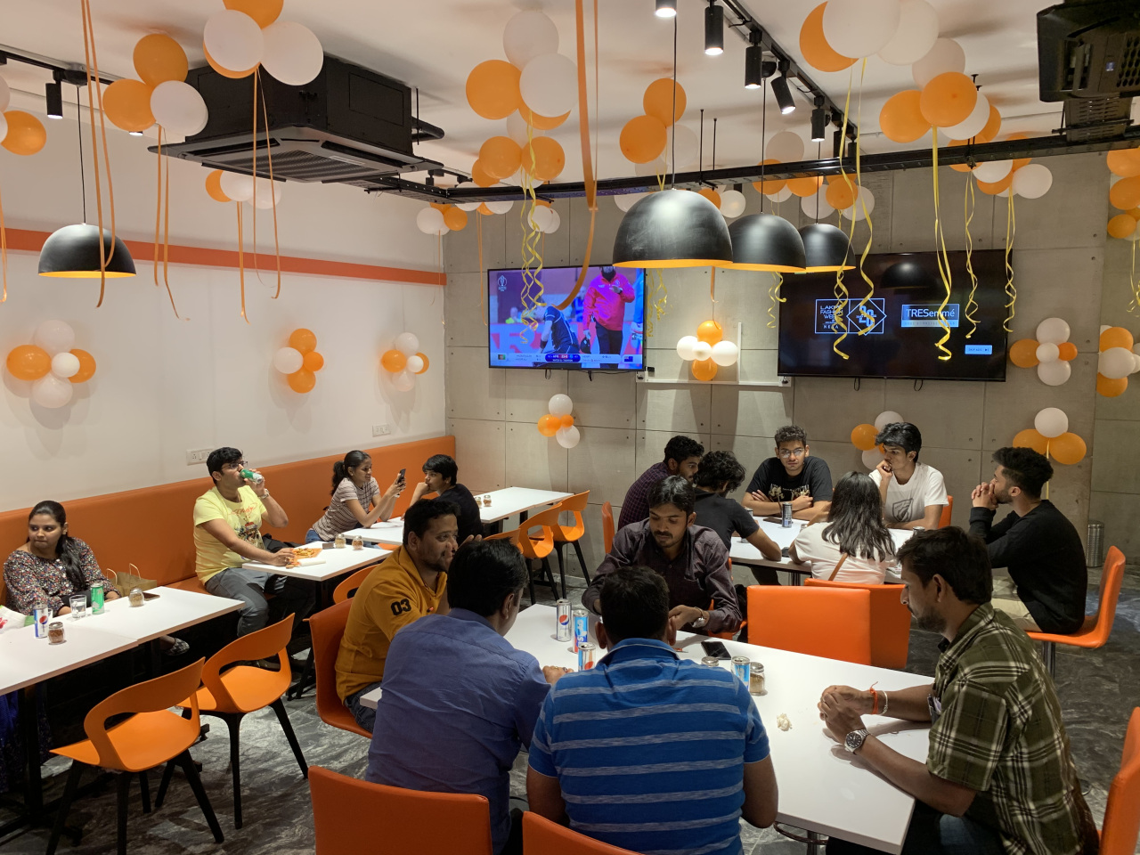 Inside Gopizza branch in Koramangala, India (Gopizza)