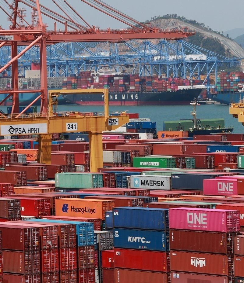 Busan New Port in South Korea's largest port city of Busan is jammed with containers on May 13, 2020. (Yonhap)