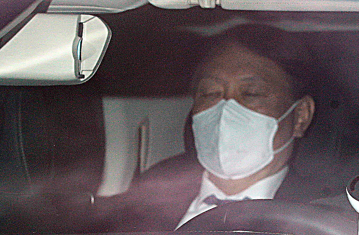 Chief prosecutor Yoon Seok-youl heads to his office in Seocho-dong, southern Seoul, by his car on Tuesday morning. (Yonhap)