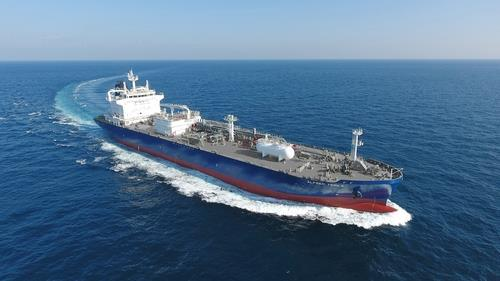 In this photo provided by the Korea Shipbuilding & Offshore Engineering Co. on Oct. 16, 2020, a liquefied petroleum gas (LPG) carrier built by Hyundai Mipo Dockyard Co. undergoes a trial run. (Yonhap)
