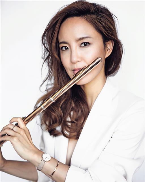 Flutist Choi Na-kyung (Seoul Arts Center)
