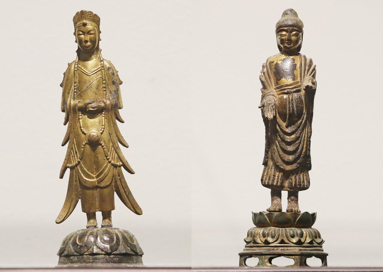 Treasure No. 285, Gilt-Bronze Standing Bodhisattva (left), and Treasure No. 284, Gilt-Bronze Standing Buddha (National Museum of Korea)