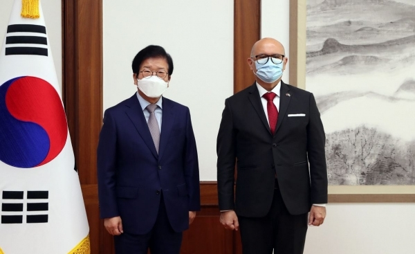 National Assembly Speaker Park Byeong-seug (left) and Costa Rican Foreign Minister Rodolfo Solano Quiros (National Assembly)