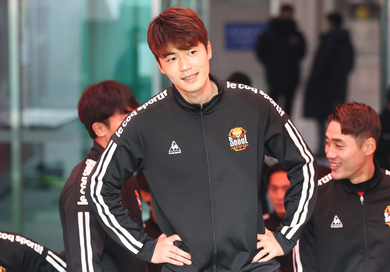 Ki Sung-yueng enters a K League 1 match against the Suwon FC at World Cup Stadium in Seoul on March 7.