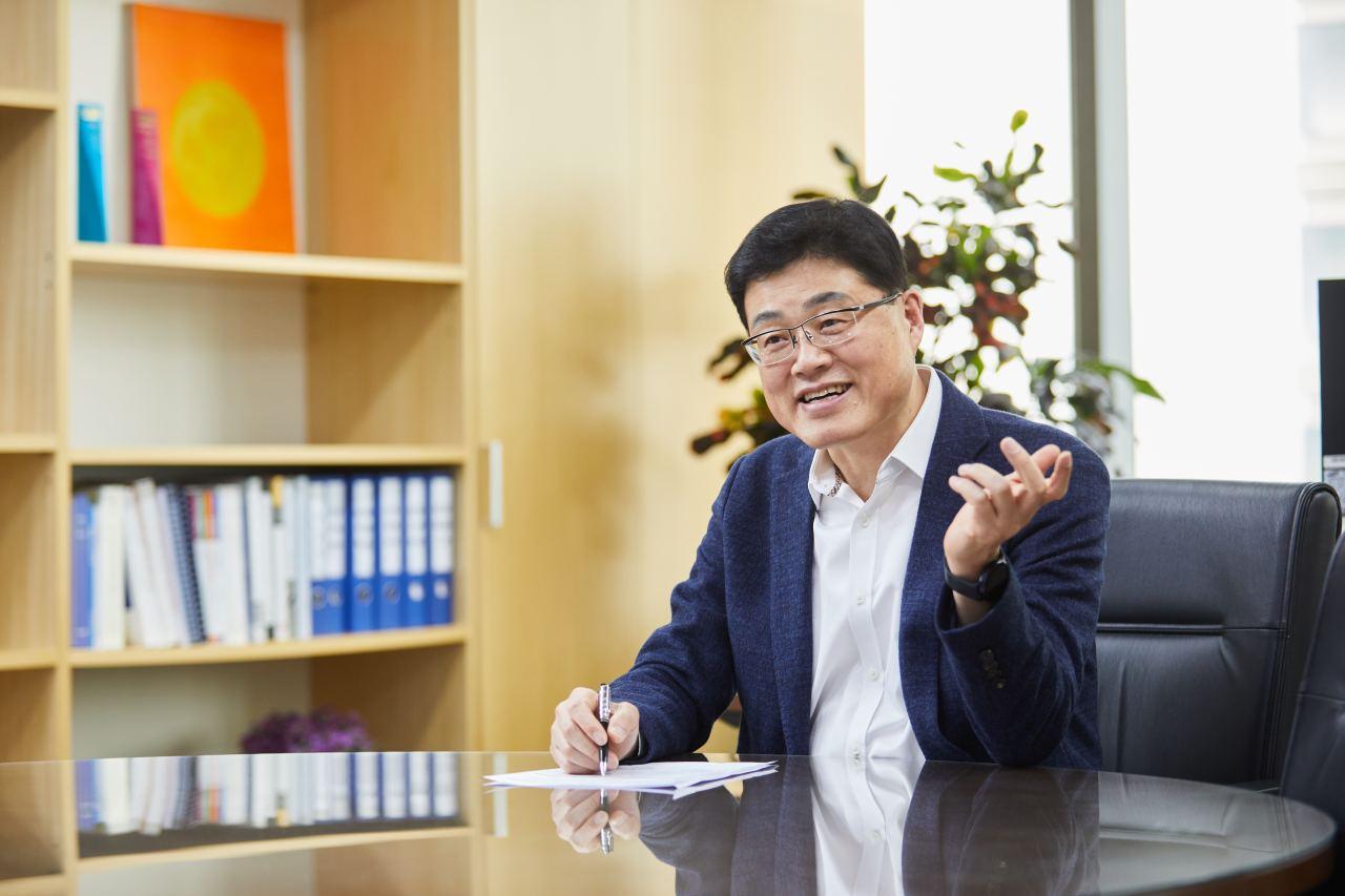Hyundai Oilbank head of sales and marketing Han Hwan-kyu (Hyundai Oilbank)