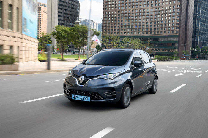 This photo provided by Renault Samsung on Aug. 22, 2020, shows the automaker's electric minicar Zoe. (Renault Samsung)