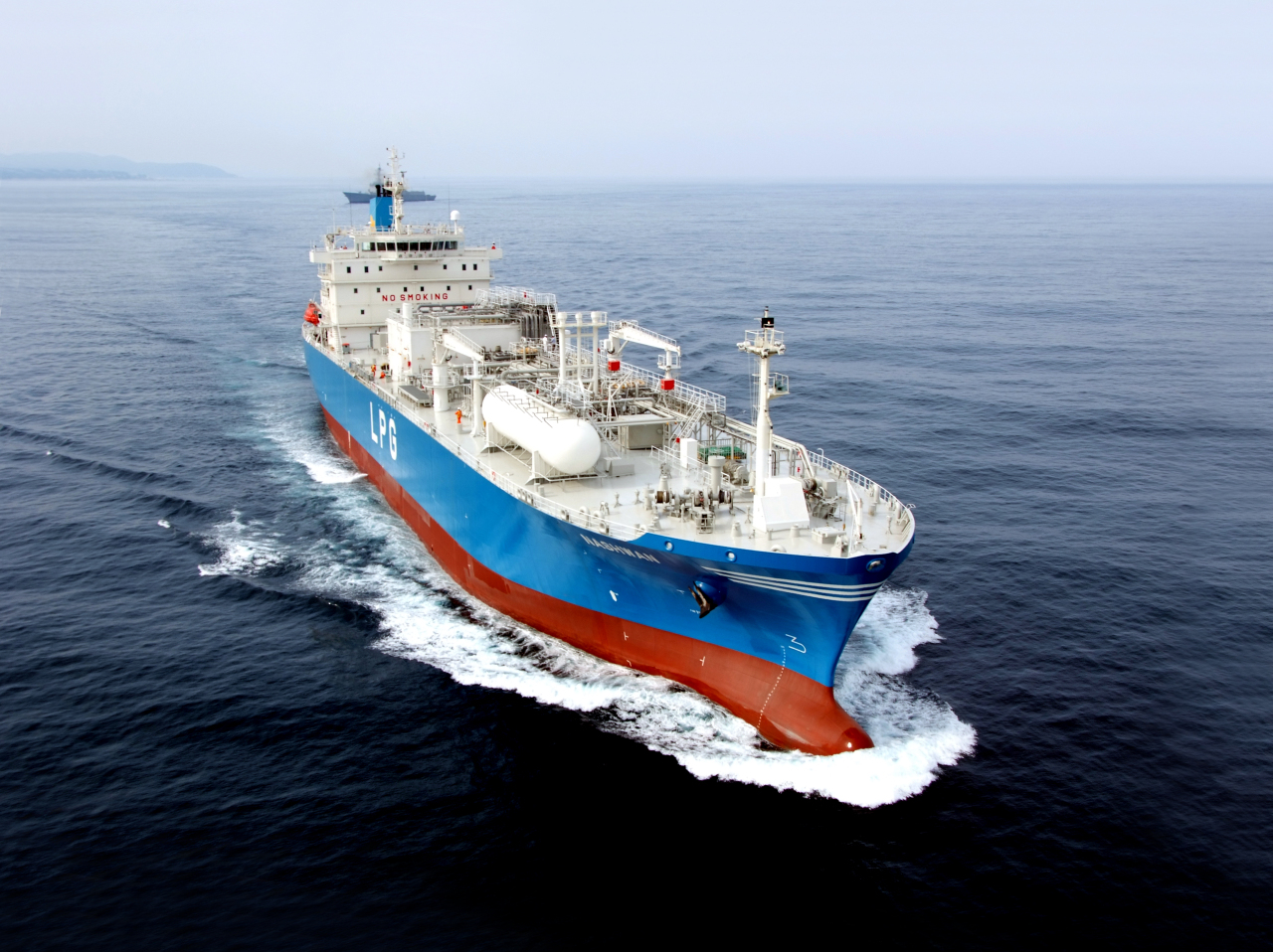 A large-sized liquefied natural gas carrier completed by Hyundai Heavy Industries in 2016. (HHI)