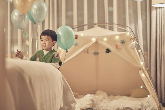 A kid's tent is offered at Westin Chosun Seoul (Westin Chosun Seoul)
