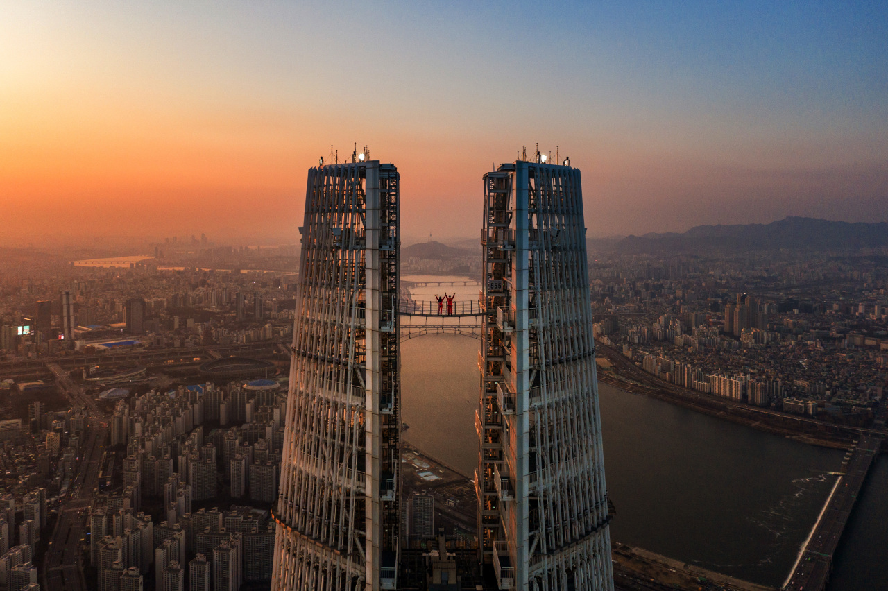An aerial view of skyscraper Lotte World Tower (Yonhap)