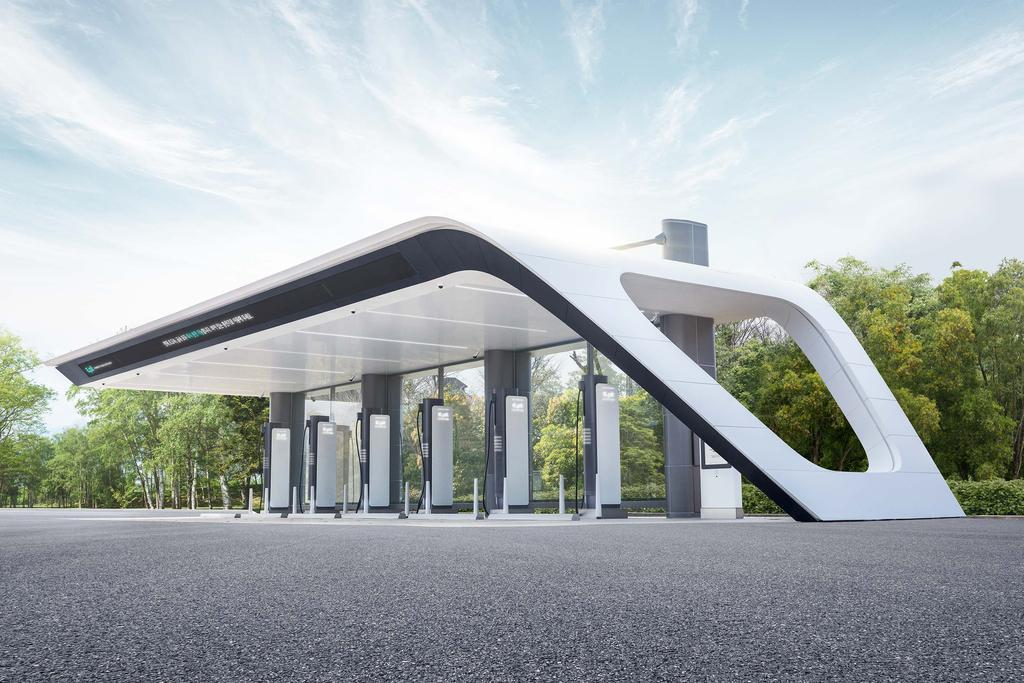 Hyundai Motor Group opens a high-speed electric vehicle charging station in a highway rest area in Hwaseong, 55 kilometers south of Seoul, on Wednesday, 2021, in this photo provided by the company. (Hyundai Motor)