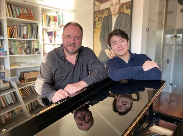Baritone Matthias Goerne (left) and pianist Cho Sung-jin (Universal Music)