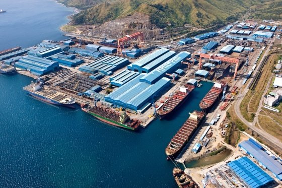 A promotional image of distressed Subic Shipyard, formerly owned by Hanjin Heavy Industries & Construction, which is now under the control of a consortium of Australian shipbuilder Austal and US private equity firm Cerberus. (Hanjin Heavy Industries & Construction)