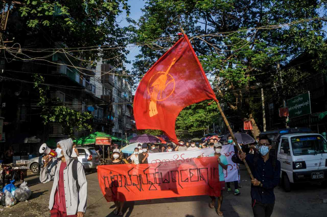 Citizens of Myanmar protest on the streets of Yangon on Feb. 11. (AFP-Yonhap)