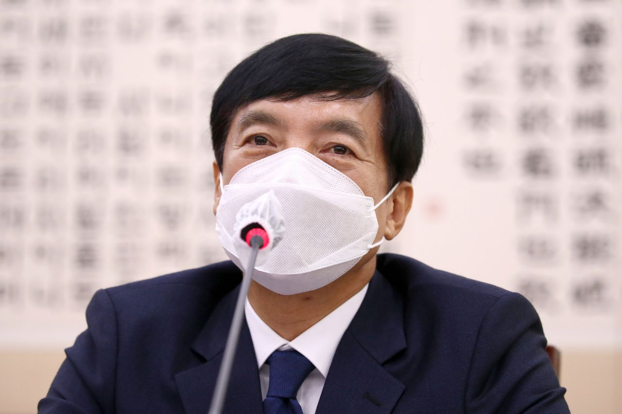 This file photo shows Lee Sung-yoon, chief of the Seoul Central District Prosecutors Office. (Yonhap)