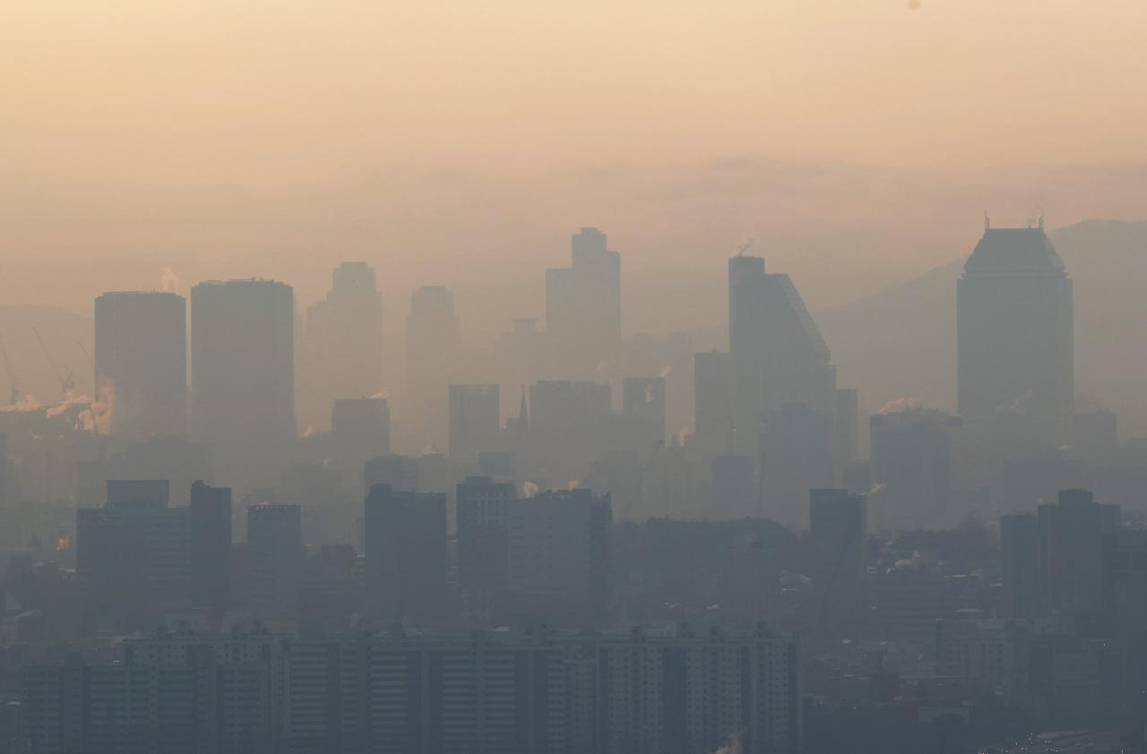 A hazy skyline of Seoul (Yonhap)