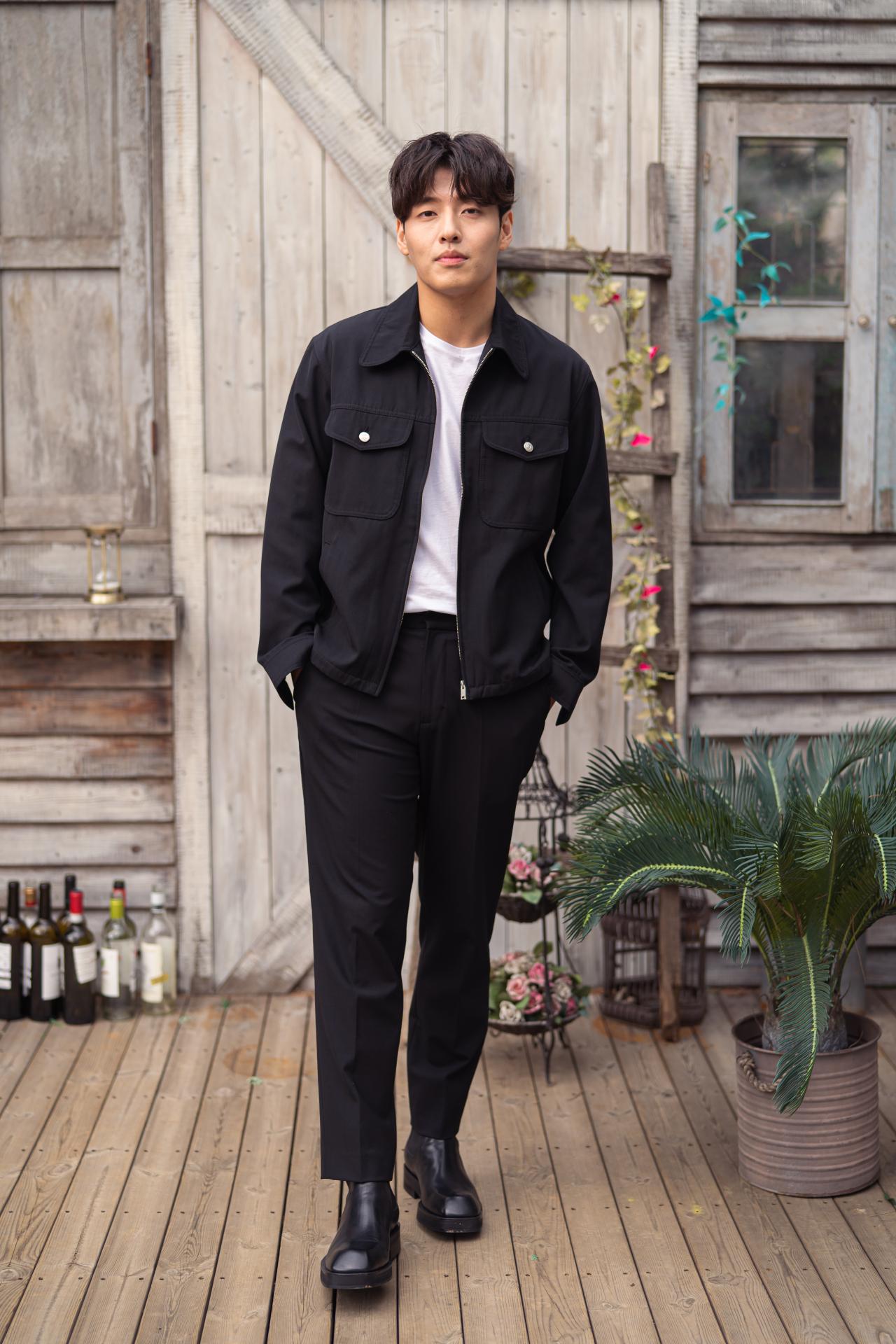 Kang Ha-neul (Kidari ENT and Sony Pictures Entertainment Korea)