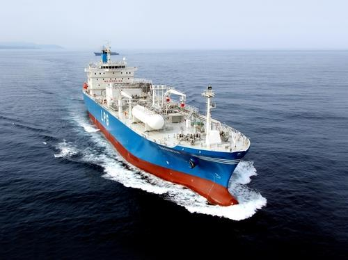 This photo, provided by Korea Shipbuilding & Offshore Engineering Co. on Thursday, shows a very large gas carrier. (Korea Shipbuilding & Offshore Engineering Co.)