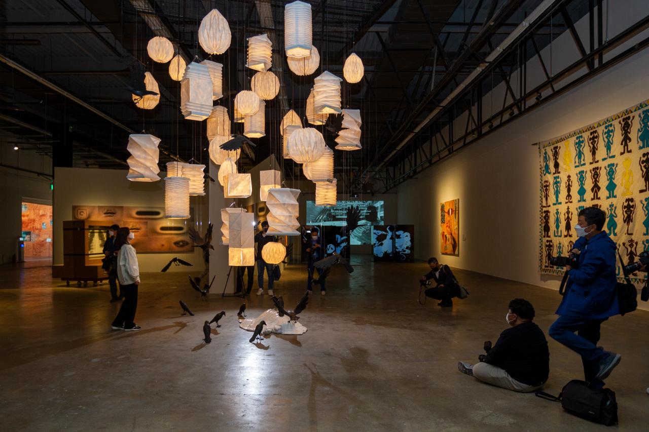 An installation at the 13th Gwangju Biennale (Gwangju Biennale Foundation)