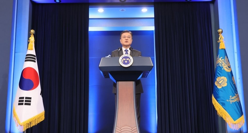 South Korean President Moon Jae-in delivers a speech in a media event to mark his fourth year in office on Monday in Seoul. (Yonhap)