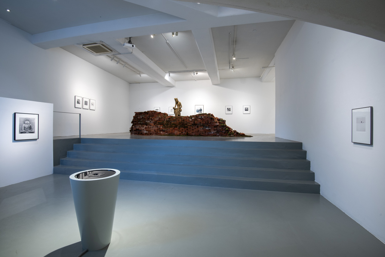 """Installation view of """"Reflection"""" at K.O.N.G Gallery in Seoul (K.O.N.G Gallery)"""