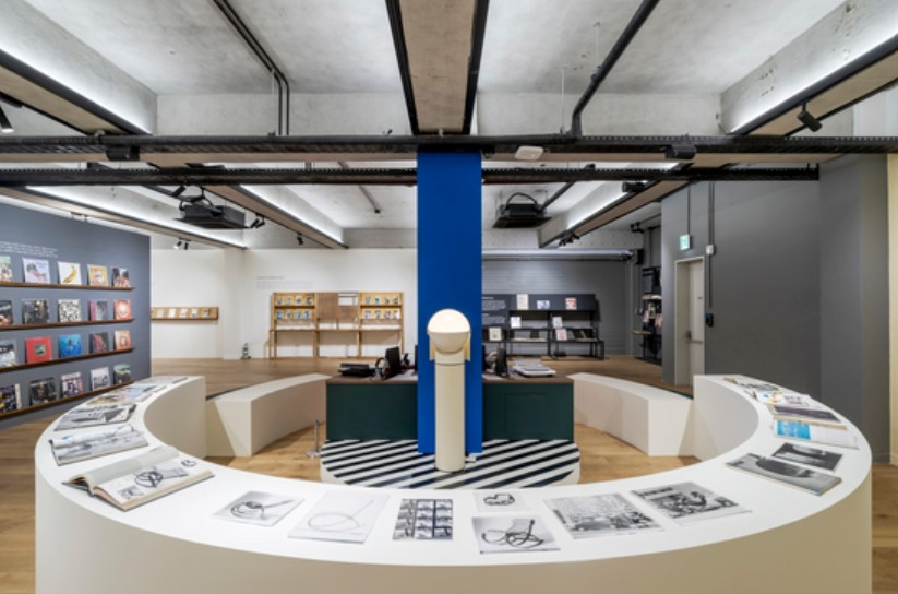 """Installation view of """"The Issue: Hyundai Card Library Magazine Collection through the Ages"""" (Hyundai Card)"""