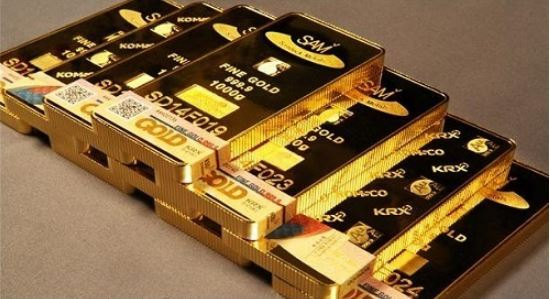 The price of gold continues to rise in South Korea as investors look to put their money in safer places amid inflation concerns. (Yonhap)