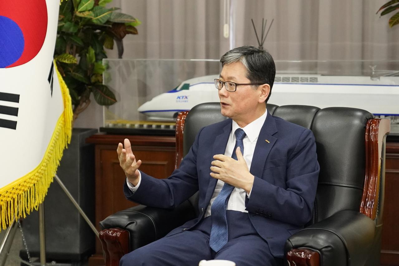 Korail CEO Son Byung-seok (Korail)