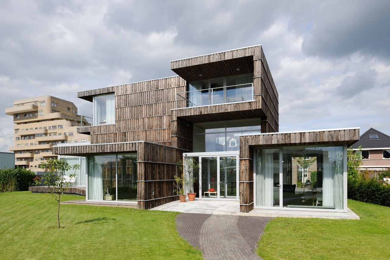 Villa Welpeloo is made from reused materials. (Allard van der Hoek)