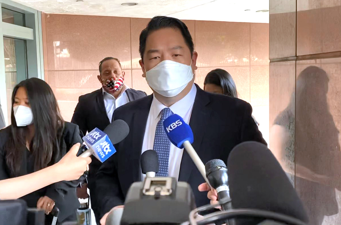 Christopher Ahn speaks to reporters after attending his extradition hearing in Los Angeles on Tuesday. (Yonhap)
