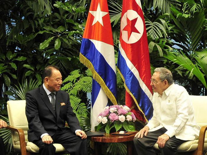 North Korea's Kim Yong-chol (L), vice chairman of the Workers' Party of Korea central committee, meets with Cuban President Raul Castro in Havana on May 24, 2016, to discuss ways to boost their cooperative relations, in this photo released by the North's Korean Central News Agency. (Korean Central News Agency)