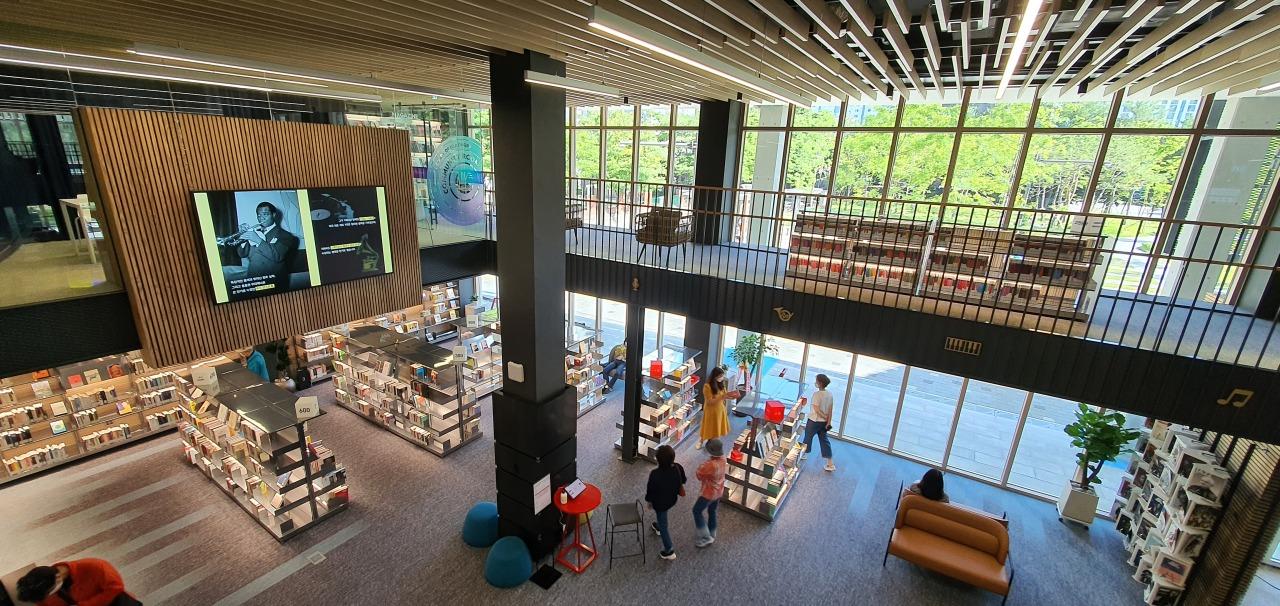 Inside the Music Library of Uijeongbu (Kim Hae-yeon/ The Korea Herald)