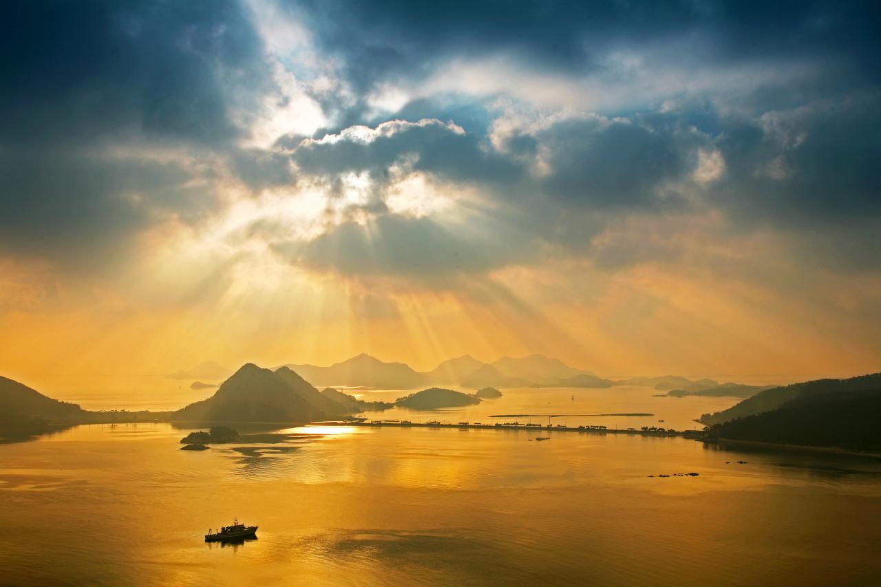 Gogunsan Islands off the Saemangeum reclaimed land (Saemangeum Development and Investment Agency)