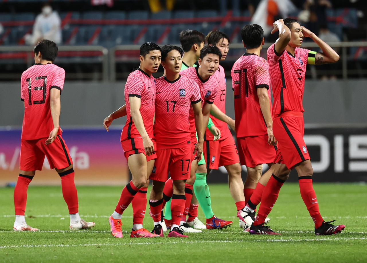 South Korea beat Ghana 2-1 on Tuesday in a crucial men's football prep match for the Tokyo Olympics. (Yonhap)