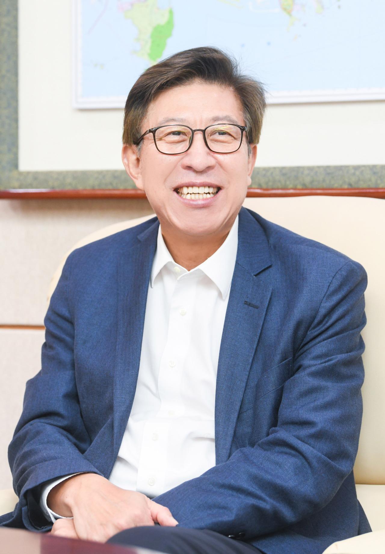 Busan Mayor Park Heong-joon (Busan City)