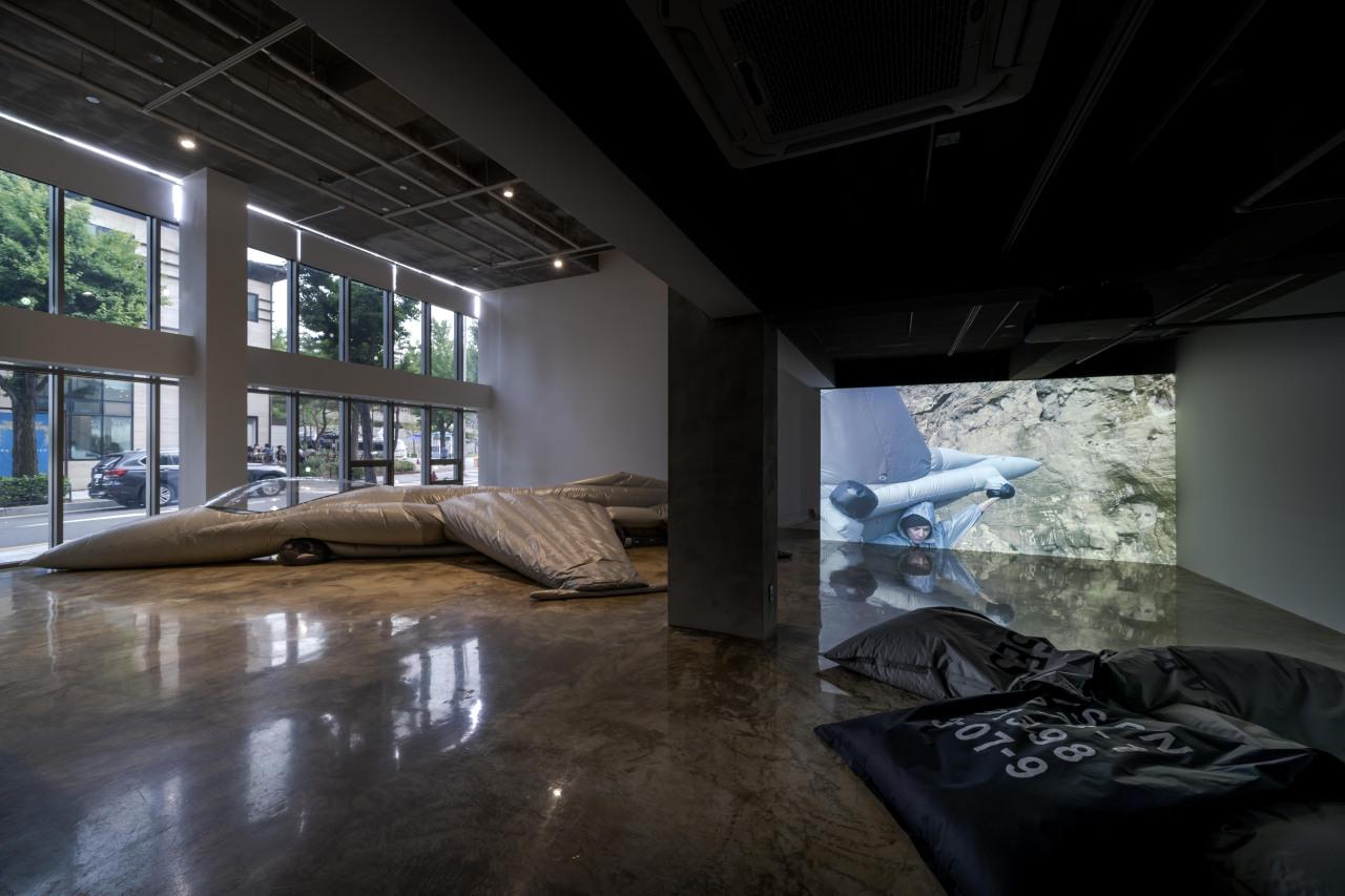 "Installation view of ""Pranayama Typhoon,"" at Barakat Contemporary in Seoul (Barakat Contemporary)"
