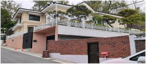 Former President Park Geun-hye's house in Naegok-dong, southern Seoul (Yonhap)