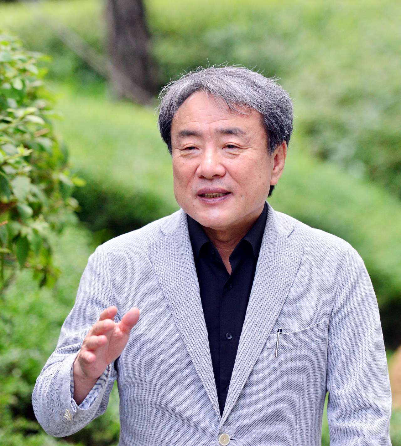 Dr. Paik Soon-young, professor emeritus of microbiology at Catholic University of Korea, speaks during a recent interview with The Korea Herald. (Park Hyun-koo/The Korea Herald)