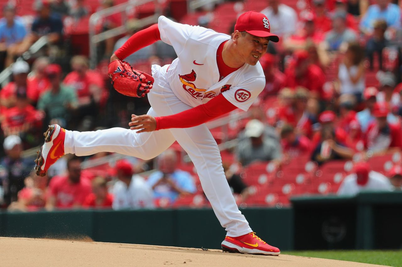In this Getty Images photo, Kim Kwang-hyun of the St. Louis Cardinals pitches against the Arizona Diamondbacks in the top of the first inning of a Major League Baseball regular season game at Busch Stadium in St. Louis on Wednesday. (Yonhap)