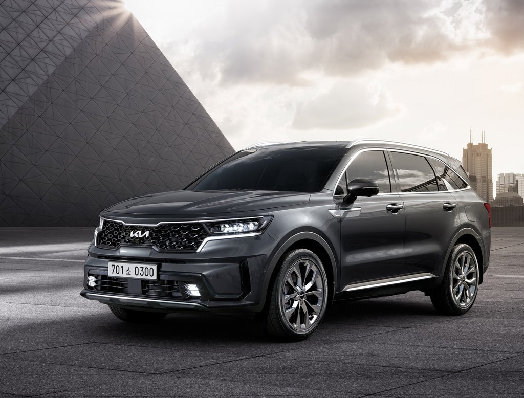 Kia Corp.'s 2022 Sorento SUV model is seen in this photo provided by the automaker on Thursday. (Kia Corp.)