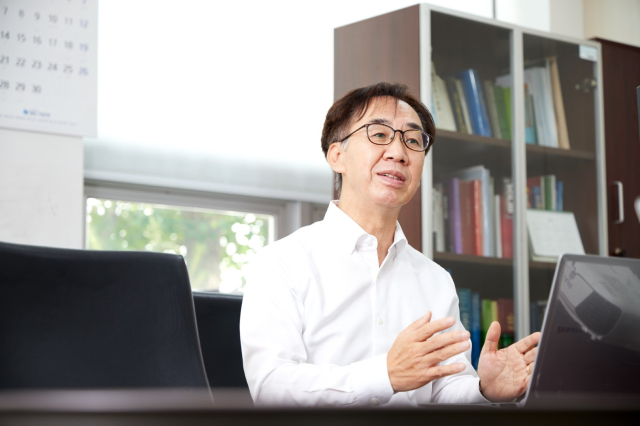 Kim Jeong-soo is the head of research and development at Dongwha Enterprise, a partner of Samsung SDI. (Dongwha Enterprise)