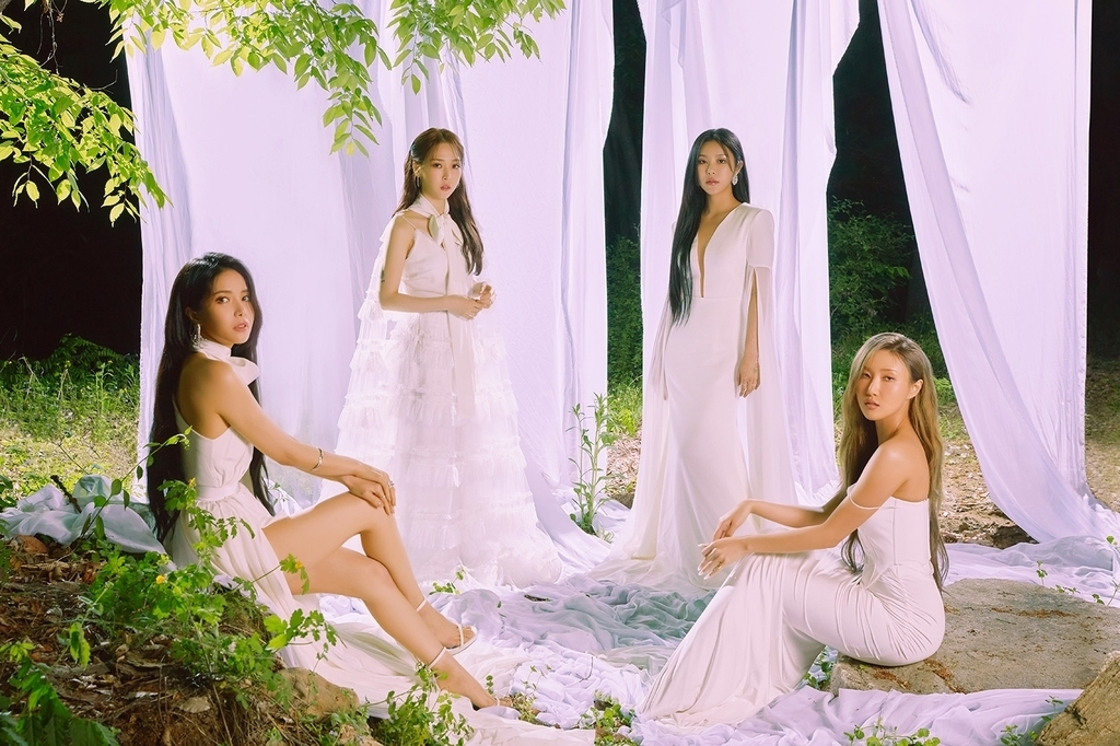 K-pop band Mamamoo (Rainbow Bridge World Entertainment)