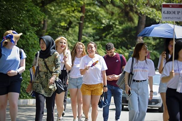 Foreign students at Kyung Hee University's Seoul campus (Kyung Hee University)